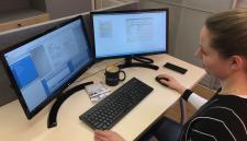 Zwiększ wydajność i wygodę pracy. SAP Business One na dwóch monitorach.