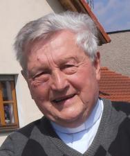 Ksiądz Jan Szywalski – duchowe wsparcie osób niesłyszących