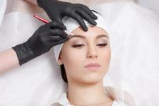 Pielęgnacja ust po makijażu permanentnym