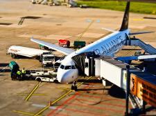 Jakim sposobem najlepiej dostać się na lotnisko?