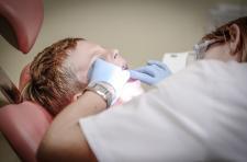Czym dokładnie zajmuje się ortodoncja?