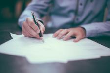 4 szybkie porady jak wybrać prawnika w trudnej sytuacji