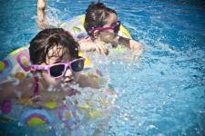 Okulary-zabawki dla dzieci – nigdy ich nie kupuj!
