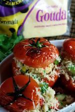 Karnawałowe faszerowane pomidory z serem