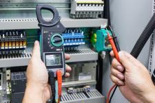Jak znaleźć profesjonalnego elektryka?
