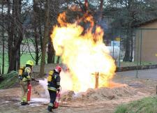 Pożar LNG. Akcja ratownicza pod kontrolą specjalistów