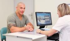 Badania prostaty – najtrudniejsza walka w życiu każdego mężczyzny?