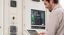 Rozdzielnica Smart Panel nowym produktem w grupie inteligentnych rozwiązań EcoStruxure Power