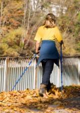 Nordic walking, czyli  benefity z chodzenia z kijkami