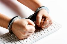 Cyberprzestępcy aresztowani za kradzież 15 mln dolarów