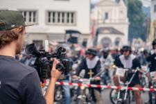 Serwis Sony Virtual Production umożliwił realizację transmisji zawodów motocyklowych Alpenbrevet